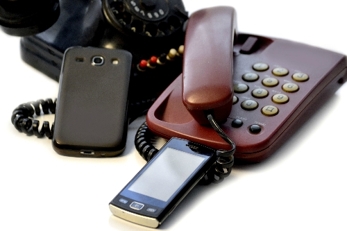 I struggle with my current telephone (landline or mobile) and I would like help to find an easier alternative