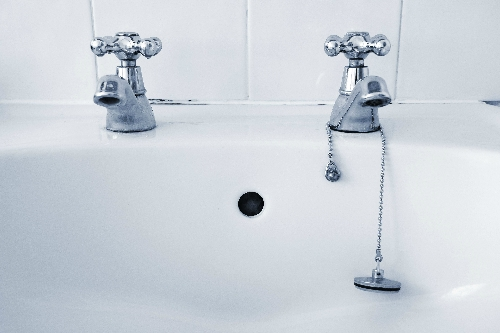 I have difficulty turning the taps in my kitchen