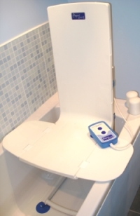 Aquajoy Saver bathlift