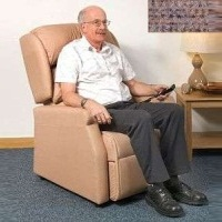 Image of the Raglan Tilt in Space Rise and Recline Chair 16in - Berber Rose
