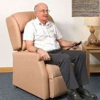 Image of the Raglan Tilt in Space Rise and Recline Chair 16in - Berber Green